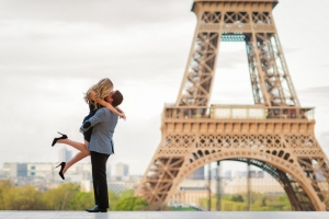 Paris-photographer-Paris-couples-photo-session